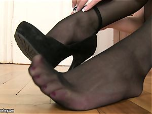 Jessica Koks wearing a gorgeous black stocking