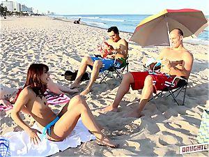 Gina Valentina and Kobi Brian swap up their daddies