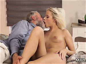 S groping milk cans and honeypot Surprise your girlplaymate and she will drill with your parent