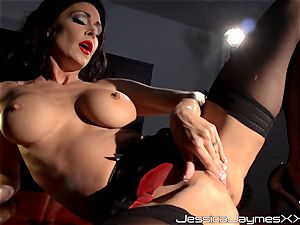 ultra-kinky black-haired Jessica Jaymes frigs her yummy cootchie pie in her office