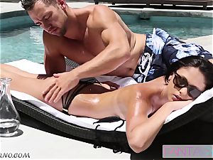 hook-up in a motel room after the massage outdoor