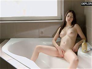shower gig with Anna Italyanka stroking