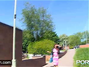PORNXN stellar Kiki Minaj public peeing