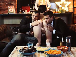 LOS CONSOLADORES - Russian Cassie Fire swinger four way