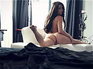 young porn industry star Lana Rhoades is awesome