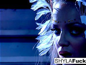 buxom Nika conforms Shyla's instructions