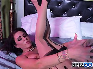 Jessica Jaymes fucking partner comes home and missed all the joy she had with Britney Amber