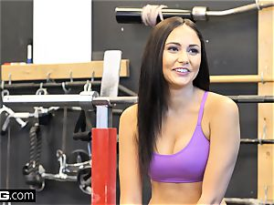 ravage Confessions Ariana nails a random stud at the gym