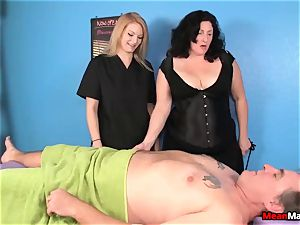 client Shocks To see The sexy light-haired massagist