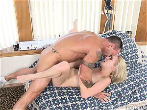 Cadence Lux steamy blondie Has Her luxurious soles adorned in spunk