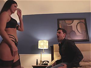 The Game part two with mummy black-haired India Summers