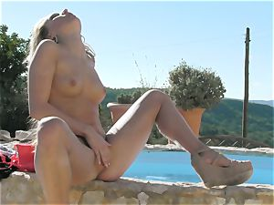 stunning Whitney Conroy provokes her pussy