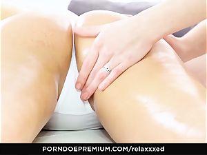 RELAXXXED - super-naughty Luna Rivel loves lezzie ass-fuck have fun