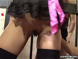 roped chinese gal got her honeypot toyed by kinky pervs