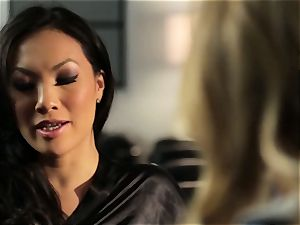 Asa Akira flashes Samantha Saint a new pasttime