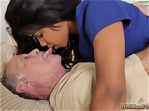 brunette prays for throbbing and gargling weenie after facial hard-core Glenn concludes the job!