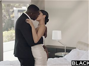 BLACKED sumptuous Model Sophia Leone Gets first-ever big black cock