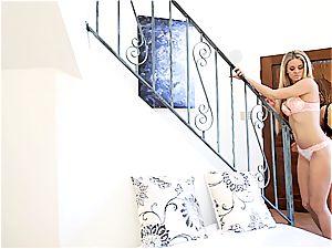 teen ultra-cutie Megan Rain makes Jessa Rhodes jizm