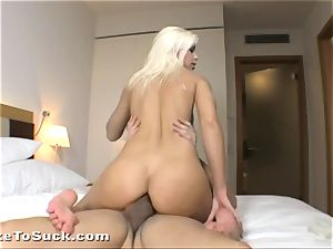 Lola Myluv anally fucked