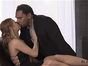 BLACK4K. Chrissy gets cuni and pussy-fucking from ebony dude